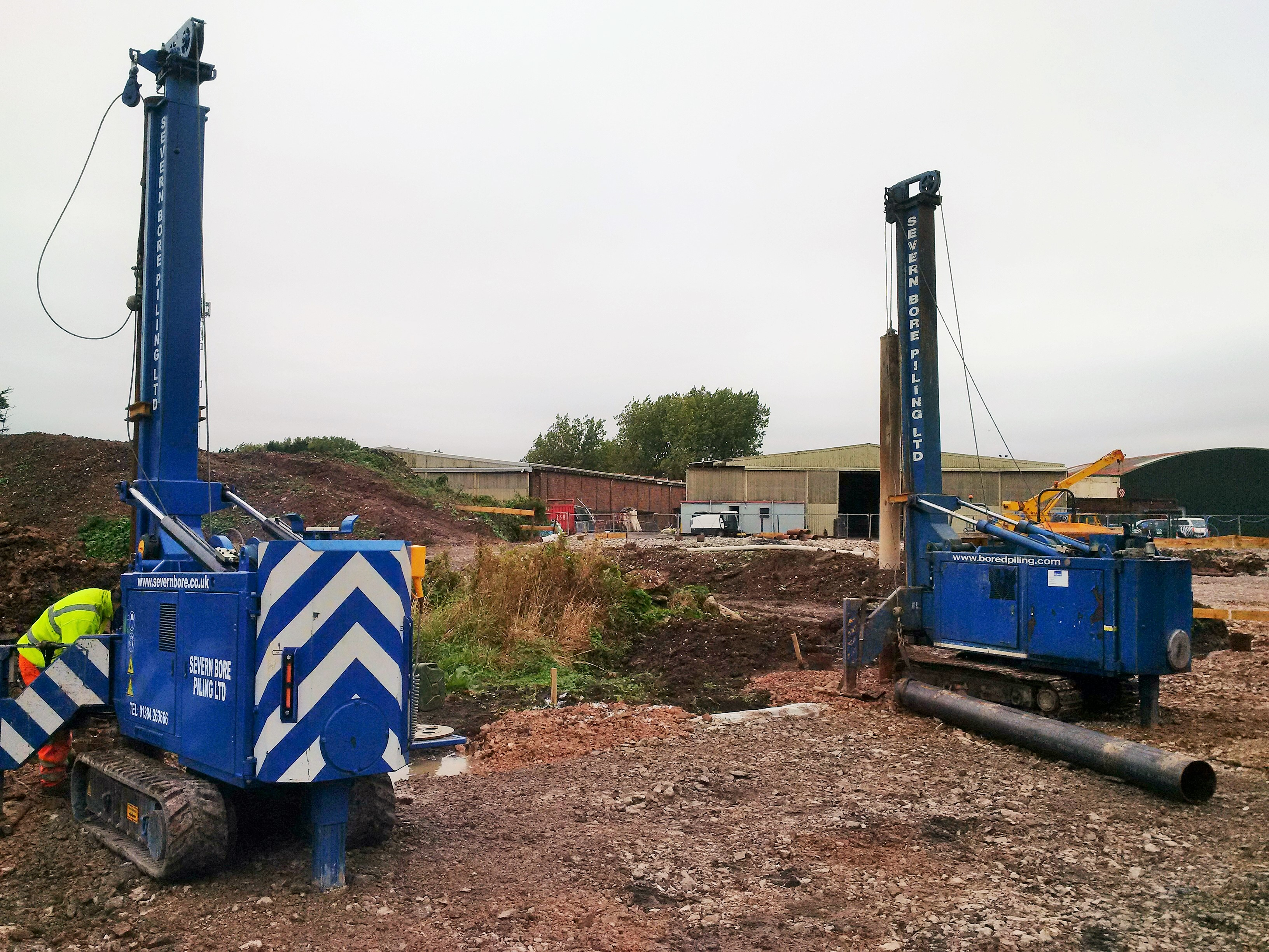IHC Fundex Vermeer mini piling equipment