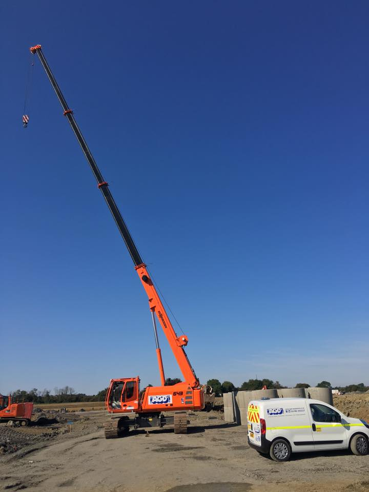 40 tons Sennebogen 643R telescopic crawler crane at work in Rugby for Green Piling