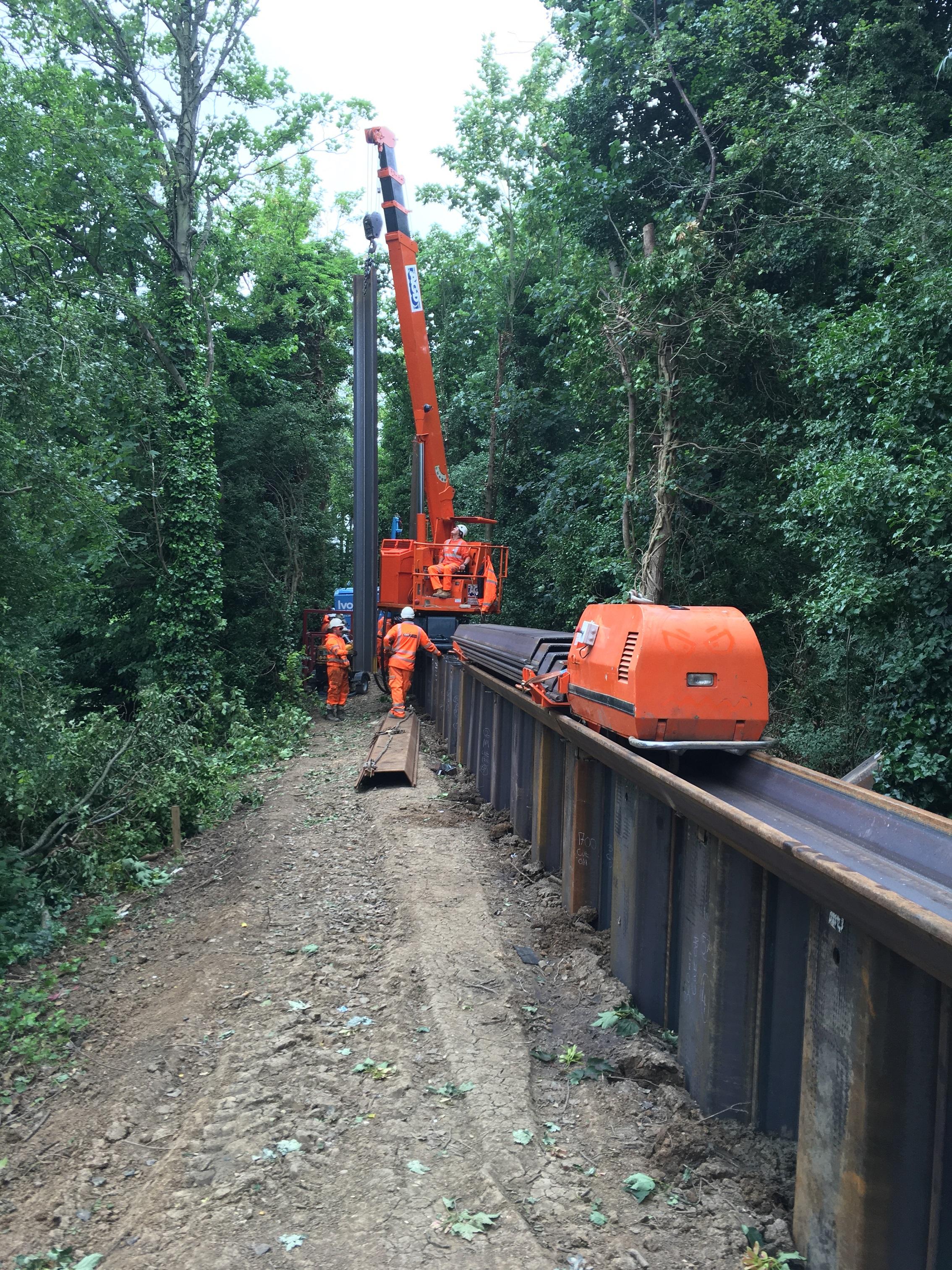 Giken GRB system installing piles at Hampstead Ponds