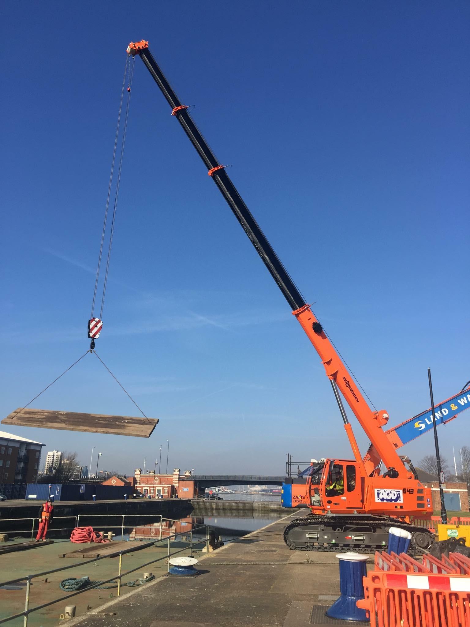 Sennebogen telescopic crawler cranes for hire