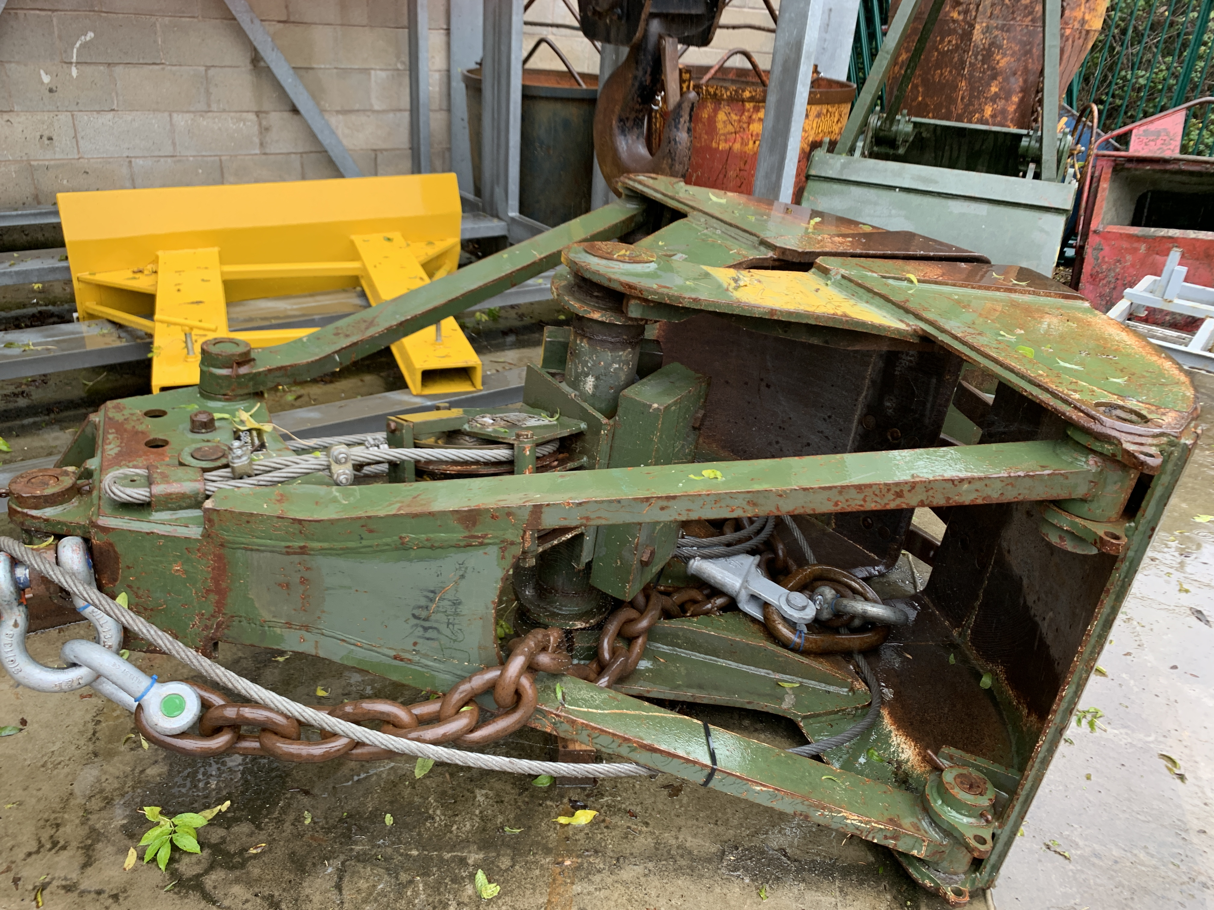 Used Anvil clamshell grabs for sale or hire