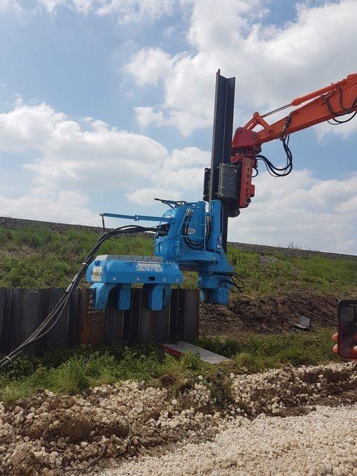 Giken F201 silent pilers on hire in Buckinghamshire