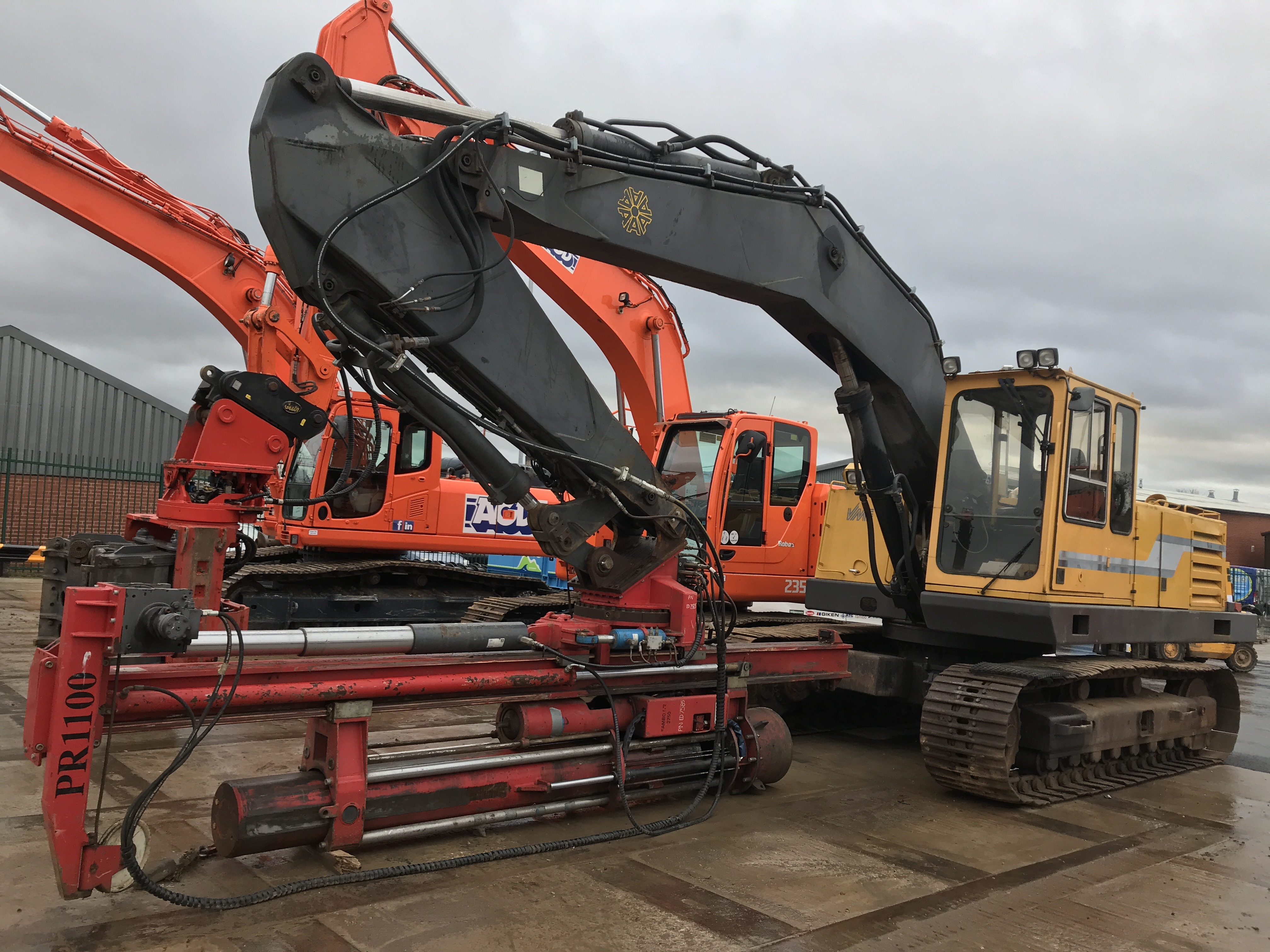 Used Fambo HR2750 / Akerman H14B pile driving rig for sale