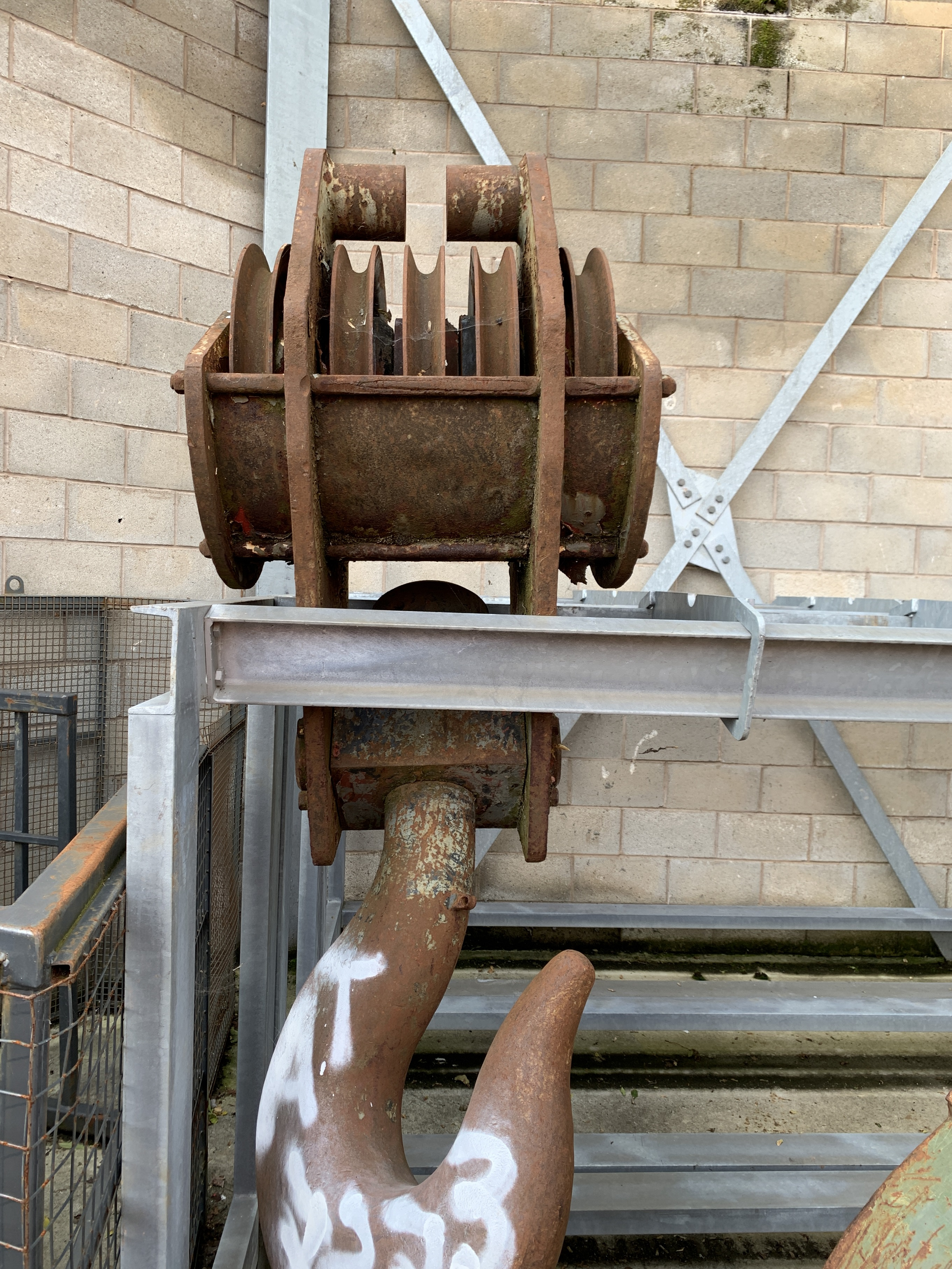 Used 100 tons 5-sheave hook block for sale
