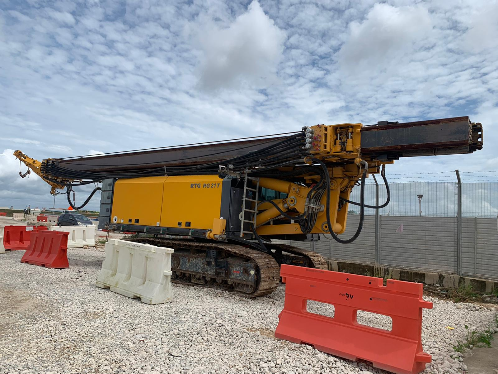 Used RTG RG21T telescopic leader rig for sale