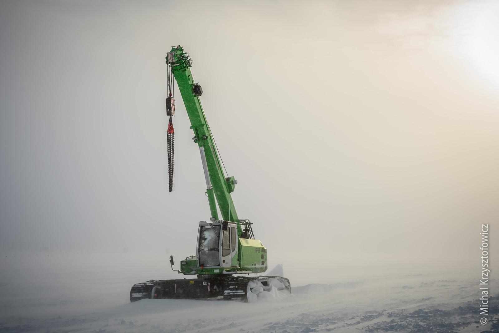 Sennebogen 643R telescopic crawler crane south pole