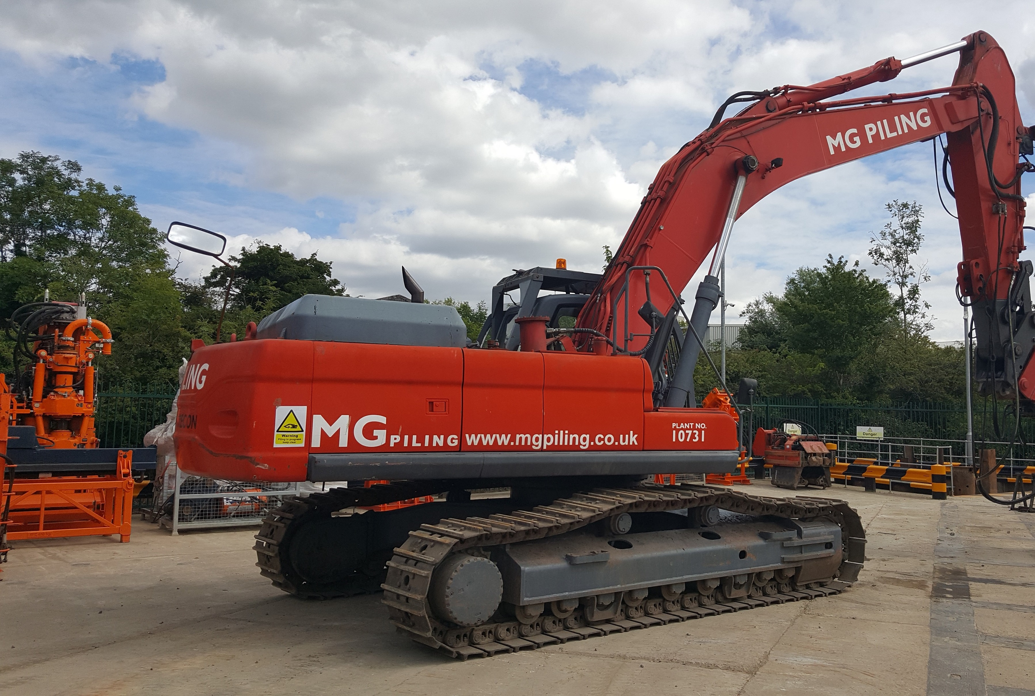 Used Daewoo DX420LC excavator for sale